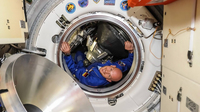 Esa astronaut alexander gerst enters the iss